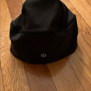 ❤️LULULEMON❤️WOMANS HAT WITH OPENING FOR PONYTAIL